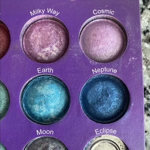 galaxy chic Makeup - GALAXY CHIC EYESHADOW PALETTE